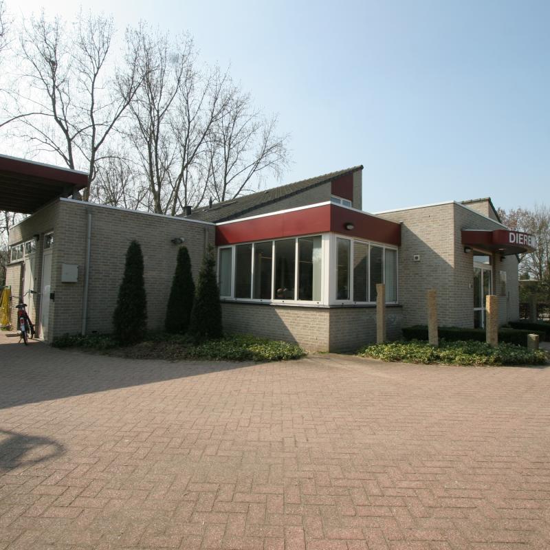 's-HERTOGENBOSCH - Dierenkliniek Maaspoort